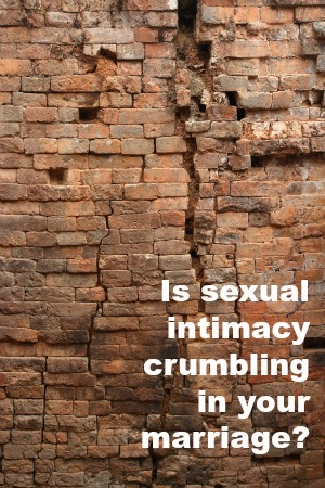 sexual-intimacy-in-marriage-curmbling